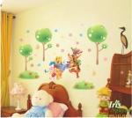 Decal Gấu Pooh cùng các bạn học hát 60x90 cm